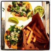 Foto scattata a Otto's Tacos da Be G. il 11/8/2013