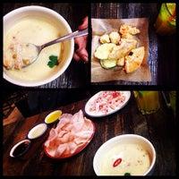Foto tomada en Crabs Are Coming por Julia M. el 11/6/2014