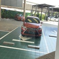 Photo taken at Toyota Northern Lampang by รฐพล ส. on 6/11/2015