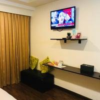 Foto tomada en Astera Sathorn Hotel por Aphirat ♡ S. el 12/7/2017