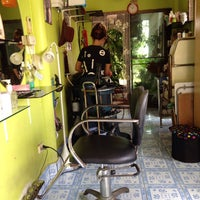 Photo taken at Kung Beauty Salon by NAMTARN on 5/14/2015
