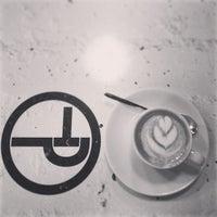 Foto tirada no(a) Tamp & Pull Espresso Bar por Peter K. em 1/8/2013