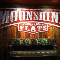Das Foto wurde bei Moonshine Flats von Kevin S. am 2/14/2014 aufgenommen