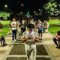 Foto tirada no(a) Benavides Park (Lover's Lane) por albert r. em 8/7/2016