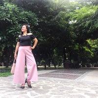 Foto tirada no(a) Benavides Park (Lover's Lane) por albert r. em 6/6/2017