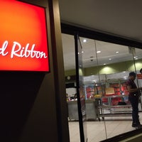 Photo taken at Red Ribbon by albert r. on 7/26/2017