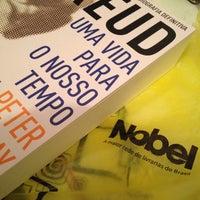 Photo taken at Nobel Livraria Shopping Plaza by Lucas Leonardo d. on 12/9/2014