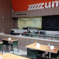 Foto tirada no(a) Zum Sucos e Sorvetes por Laura C. em 7/29/2014
