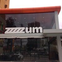Photo taken at Zum Sucos e Sorvetes by Laura C. on 7/29/2014