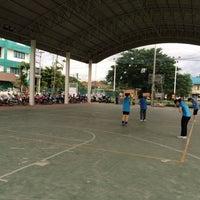 Photo taken at ศูนย์กีฬาโรงพยาบาลเชียงรายประชานุเคราะห์ by iPae 🎒 on 7/24/2015