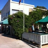 Foto tomada en Gus's Grocery por Eric Lawton F. el 10/14/2012