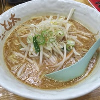 Photo taken at ラーメンとん太 by Hiromitsu M. on 10/29/2015