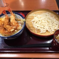 Photo taken at 天丼てんや 平塚田村店 by こーでー on 3/26/2016