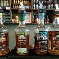 Foto tirada no(a) Seven Stills Brewery & Distillery por Erik W. em 4/9/2017