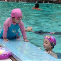 Photo taken at สระว่ายน้ำ ม.สวนดุสิต by goodforfamily s. on 6/29/2013