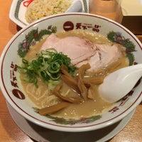 Photo taken at 天下一品 柏木店 by Yoshimoto M. on 9/26/2015