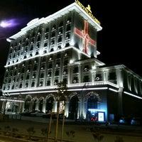 รูปภาพถ่ายที่ Lord's Palace Hotel & Casino โดย Erhan Ş. เมื่อ 2/2/2017