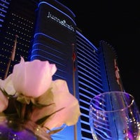 6/15/2013 tarihinde Nadezna Z.ziyaretçi tarafından Jumeirah Beach Hotel'de çekilen fotoğraf