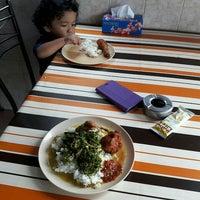 Photo taken at Restaurant Muhibbah Dengkil by Hafiz H. on 2/5/2016
