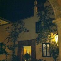 Foto scattata a Las Casas De La Juderia Hotel Cordoba da Iñigo S. il 11/15/2012