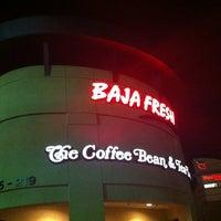 Photo taken at The Coffee Bean & Tea Leaf by hoda007 on 2/12/2013