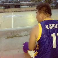 Photo taken at Lapangan basket ball kapuas by Selvika M. on 8/2/2013