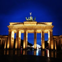 Photo taken at Brandenburg Gate by Sue Y. on 7/1/2013