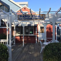 Photo taken at The Salty Dog Ice Cream Shop by Frank M. S. on 11/18/2016