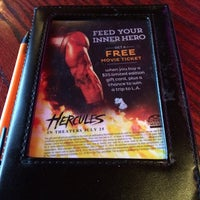 Photo taken at Red Robin Gourmet Burgers by Ben S. on 6/2/2014