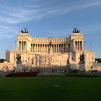 Photo taken at Altare della Patria by Tiali K. on 7/14/2013