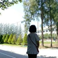 Photo taken at Sarasas Witaed Suksa School by Thapan A. on 4/9/2017