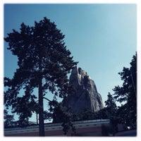 Foto tirada no(a) Rocher du Zoo de Vincennes por Pat D. em 5/15/2014