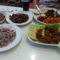 Photo taken at Urfa Ciğer ve Kebapçısı by ♡Dilan♡ A. on 7/10/2014