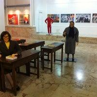 9/18/2013 tarihinde Sibel T.ziyaretçi tarafından 75. Yıl Sanat Galerisi'de çekilen fotoğraf