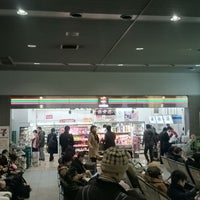 Photo taken at セブンイレブン ハートイン岡山駅在来線改札内店 by つじやん 2. on 1/8/2015