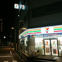 Photo taken at 7-Eleven by つじやん on 7/8/2018