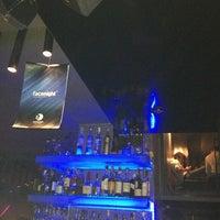 Foto scattata a S'move Light Bar da Marcella F. il 2/3/2013
