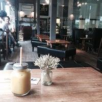 Photo taken at Chuen Juice Bar by Ja D. on 9/11/2016