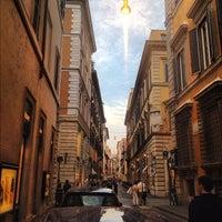 Foto scattata a Via dei Condotti da Na M. il 9/27/2012