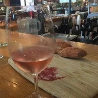 Photo taken at Oxbow Wine Merchant & Wine Bar by Jardin D F. on 8/22/2015
