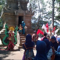 Photo taken at Candi Cangkuang by Whendy G. on 1/2/2016