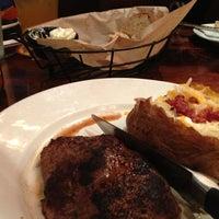 Photo taken at LongHorn Steakhouse by Karen L. on 5/11/2014