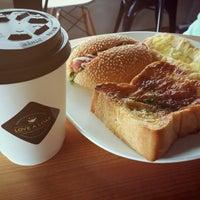 Photo taken at Love A Loaf Bakery & Café by 🌸Wiyuna T. on 4/13/2014