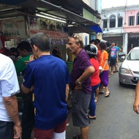Photo taken at Penang Road Famous Teochew Chendul (Tan) by Ken L. on 4/18/2015