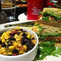Foto diambil di Chicago Diner oleh Christina M. pada 4/11/2013