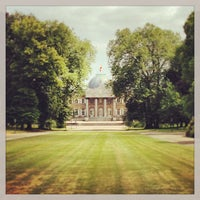 Photo taken at Koninklijk Paleis / Palais Royal by Hans H. on 7/20/2013