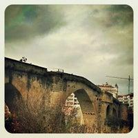 Foto tirada no(a) Ponte Romana de Ourense por Caserío da Castiñeira em 12/18/2012