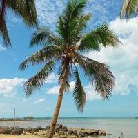 Photo taken at Playa de Paraiso by Darryl markovnikov F. on 7/12/2015