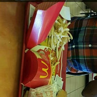 Photo taken at McDonald's Multicentro by Orfa F. on 11/1/2015