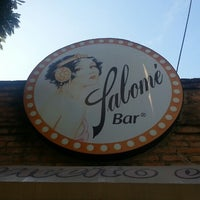 Foto tirada no(a) Salomé Bar por Fernando M. em 5/19/2013
